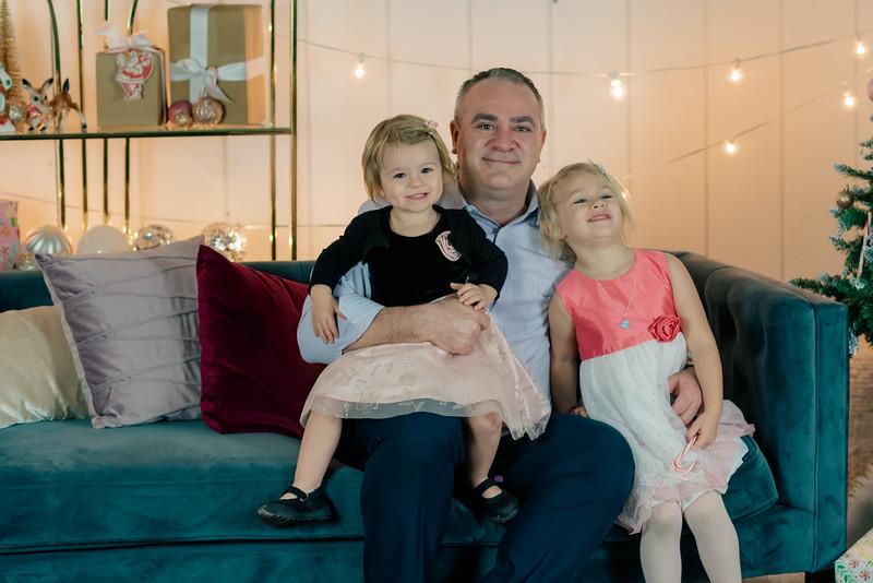 Therrien Family December 2020-10.jpg