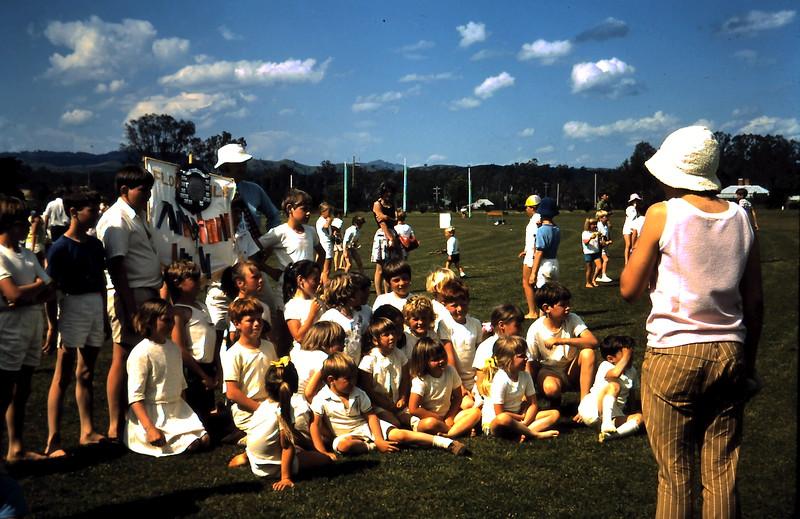 1971-11-5 (16) Yea sports.JPG