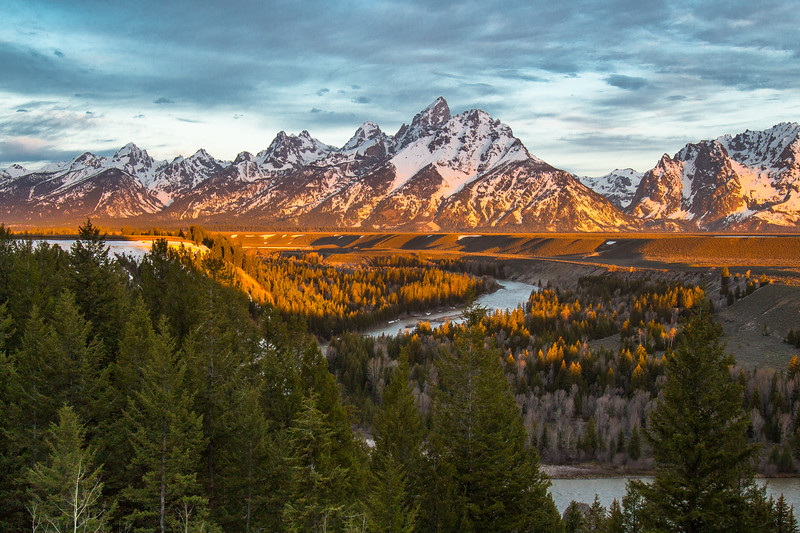 Sunrise at Snake River Overlook.jpg