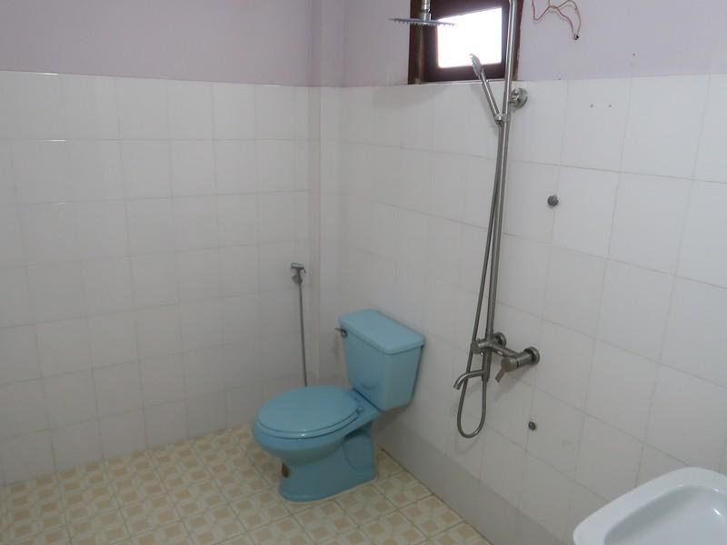 IMG_7388-huong-giang-bungalow-bathroom.jpg