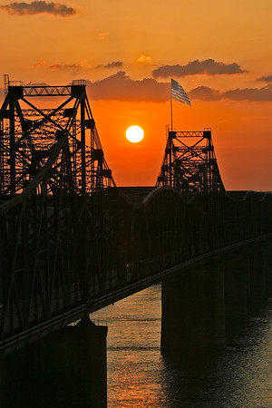 MS_Vicksburg_Mississippi River_Bridges