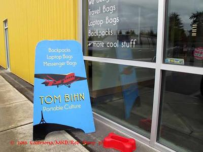 2013 0411 Tom Bihn store