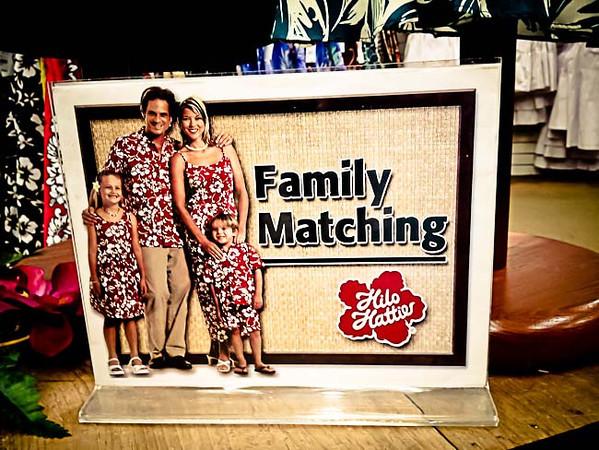 souvenirs matching family.jpg