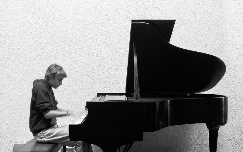 Robin StDavids piano.jpg