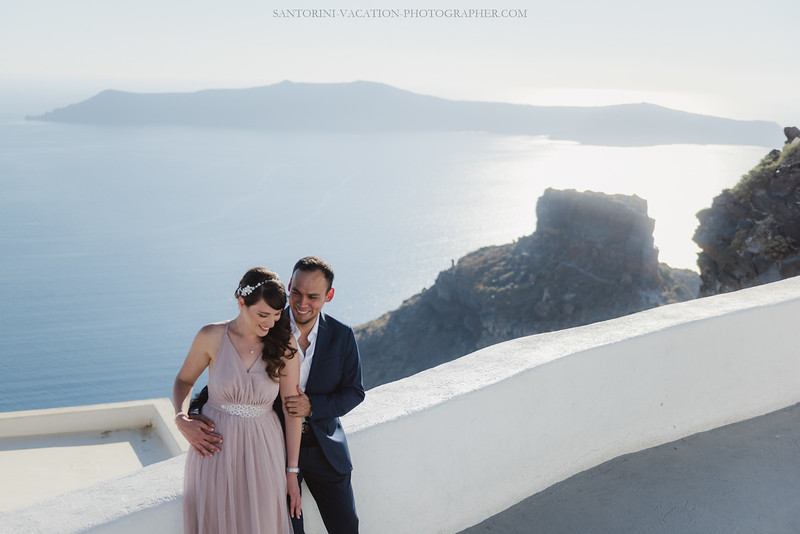 Santorini-post-wedding-photo-shoot-honeymoon-sessio-couples-session--8.jpg
