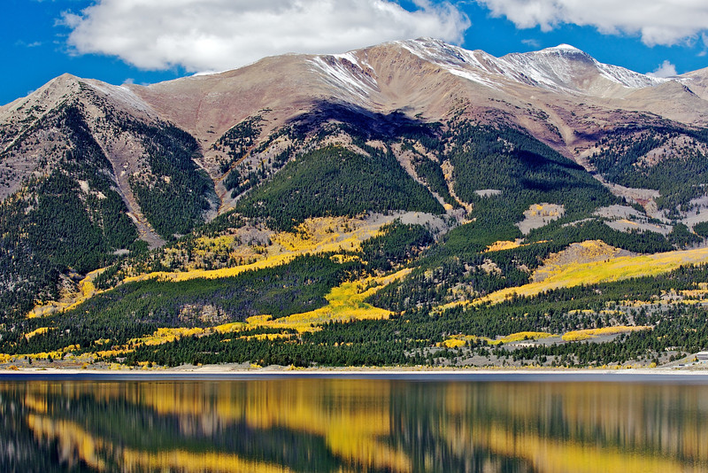 Mount Elbert (14,433 ft) with Twin lakes in the foreground