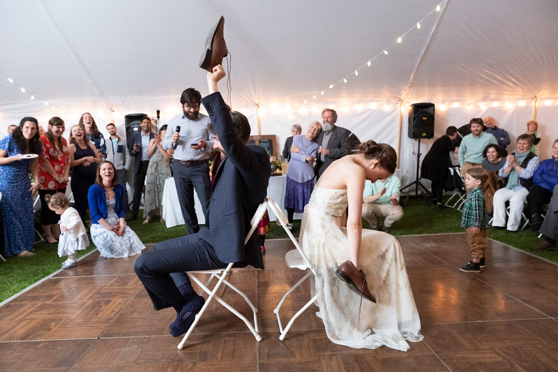 kwhipple_toasts_first_dance_shoe_game_20180512_0146.jpg