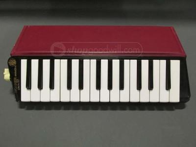 Hohner HM-27 3rd series Piano 27 (alto)