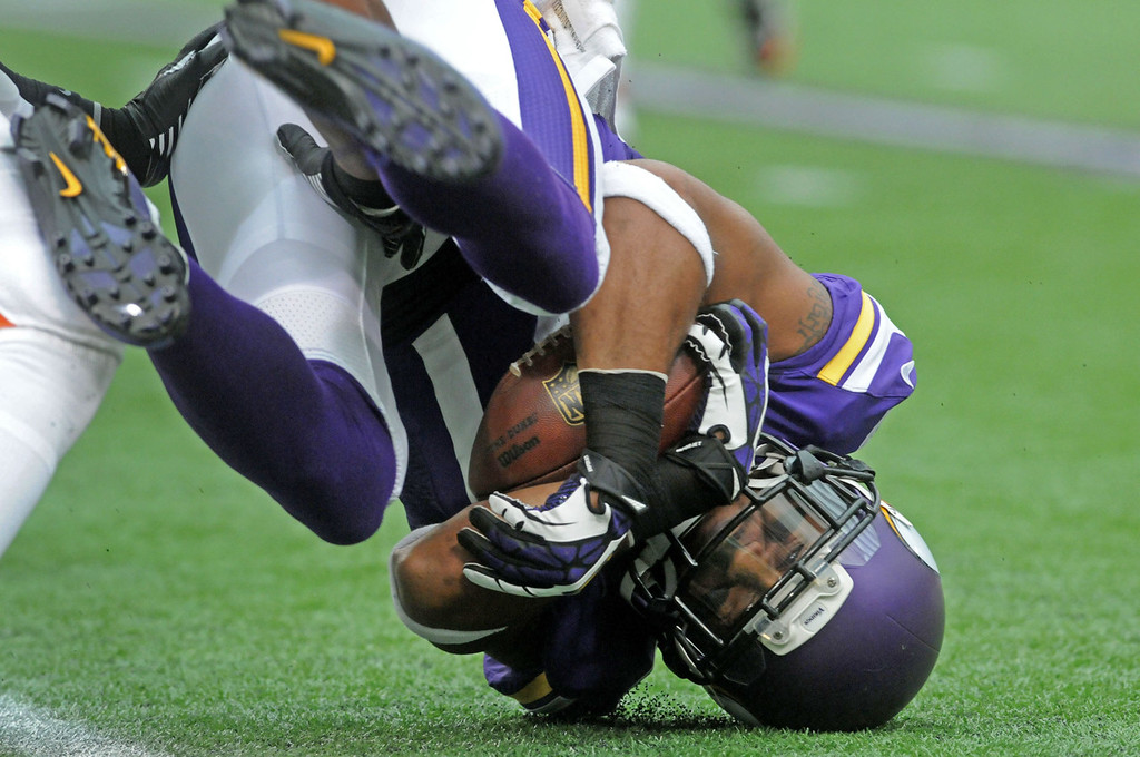 . Vikings wide receiver Jarius Wright makes a catch for 20 yards duirng the first quarter against the Browns. (Pioneer Press: Sherri LaRose-Chiglo)