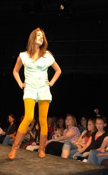 20080405_Punch Saturday_1944_HS Fashion_1.jpg