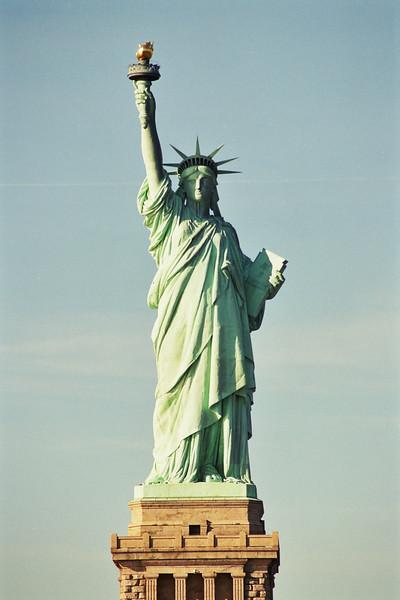 2002 January New York Statue of Liberty.jpg