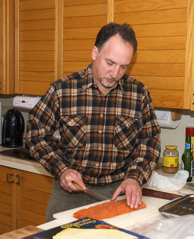 Howie slices his smoked salmon   (Nov 26, 2004, 03:40pm)