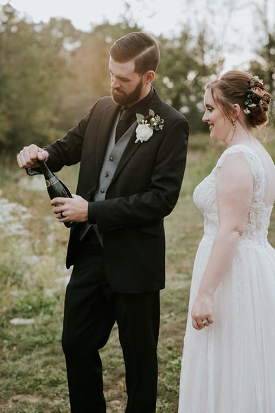 rustic_ohio__fall_barn_wedding-321.jpg