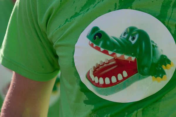 2012 UHF Crocodile Dentist