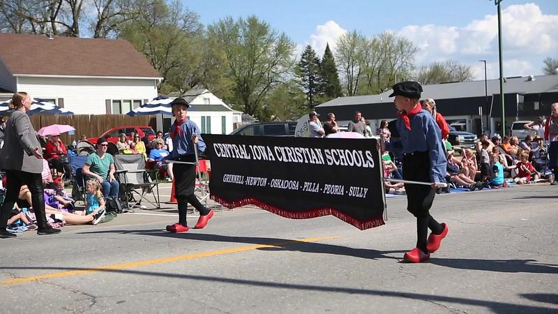 Central_Iowa_Christian_School_Band_in_Pella_Tulip_Parade_1080p.mp4