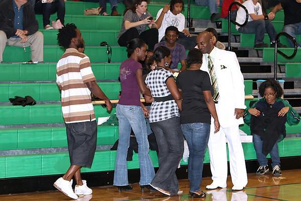 Suwannee Basketball Seniors 2009-10 Guys