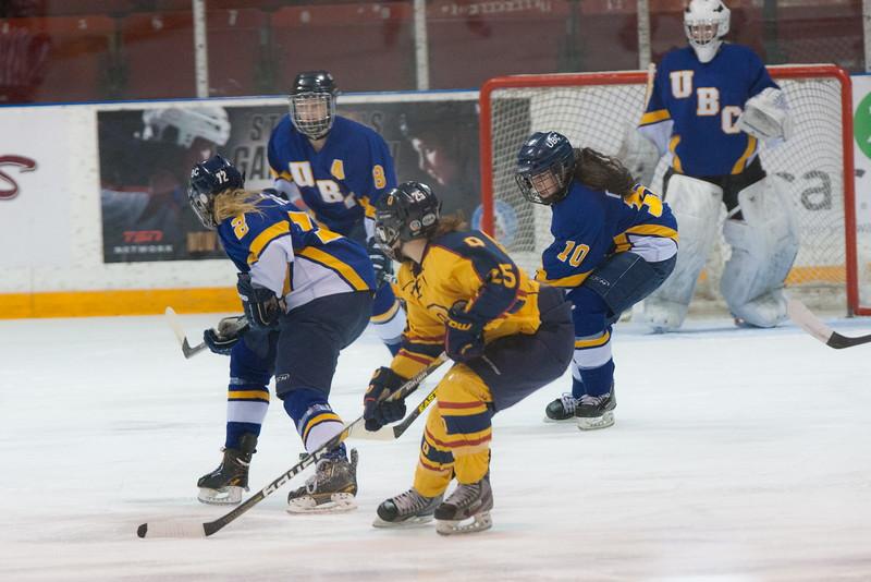 20130310 QWHockeyvsUBC 214.jpg