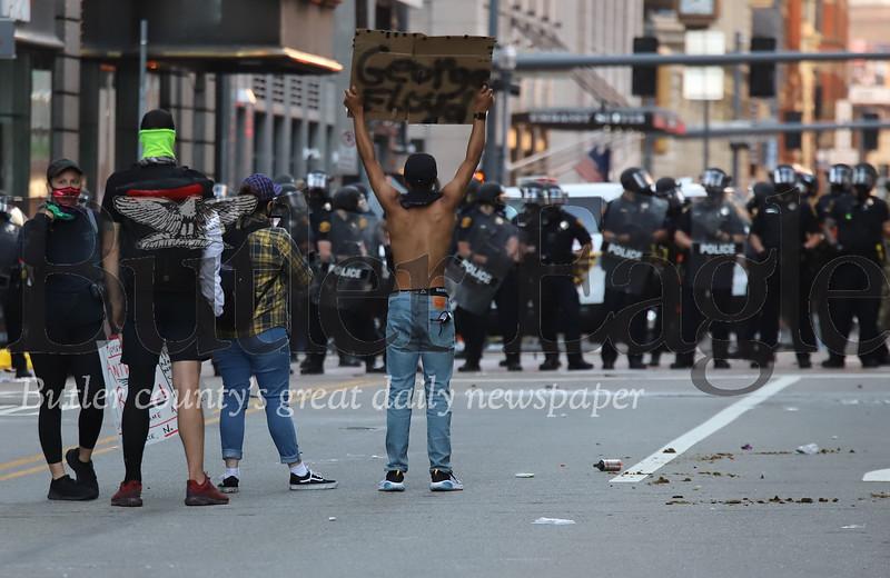 0601_loc_Pittsburgh Riot _3.jpg