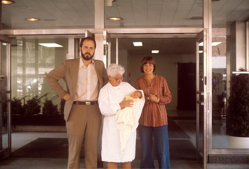 1976-04 Nicole, Greg & Nancy.jpg