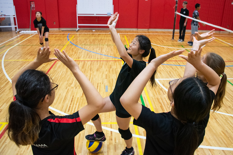 PE Leadership-Gr12 and Gr6 Volleyball Workshops-YIS_2591-2018-19.jpg