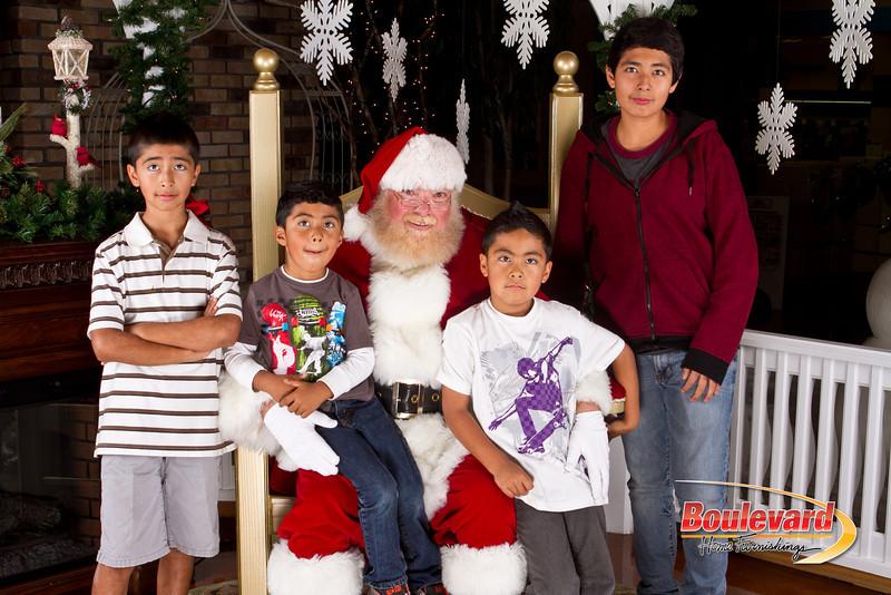 Santa Dec 8-258.jpg