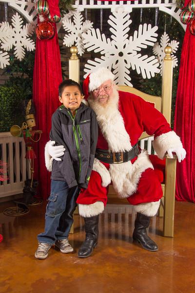 Santa 12-16-17-449.jpg