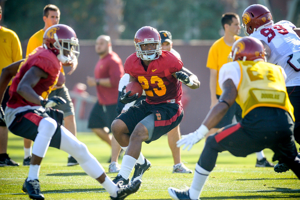. USC�s Tre Madden runs a play during spring practice at USC Tuesday, April 15, 2014.  (Photo by David Crane/Los Angeles Daily News.)