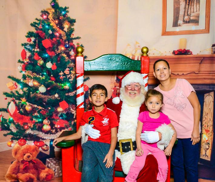Santa Elmore 2016-12166.jpg