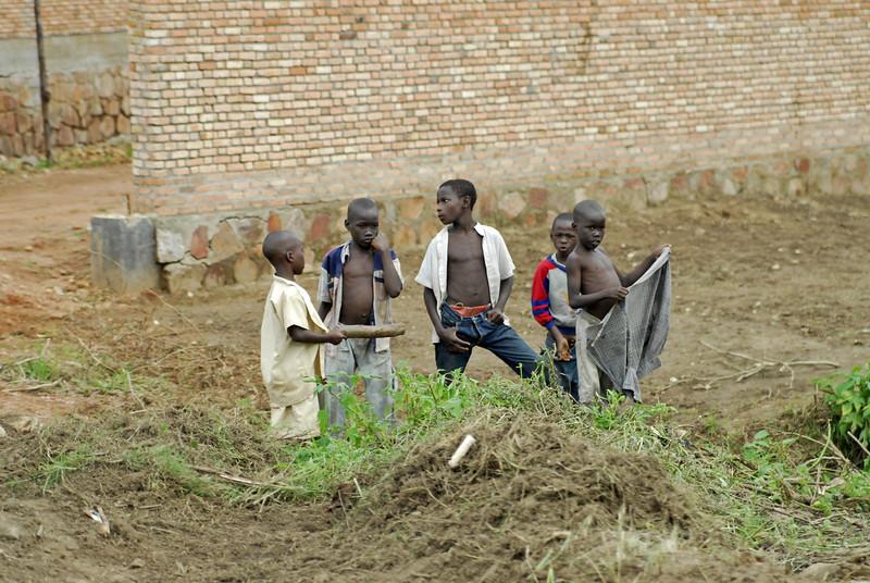 070112 3936 Burundi - on the road to Bubanza _E _L ~E ~L.JPG