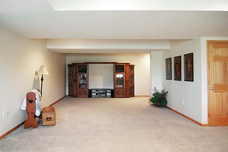familyroom 1.jpg