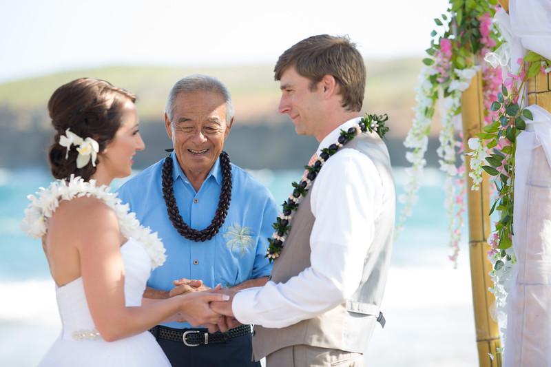 gillin beach kauai wedding-105.jpg