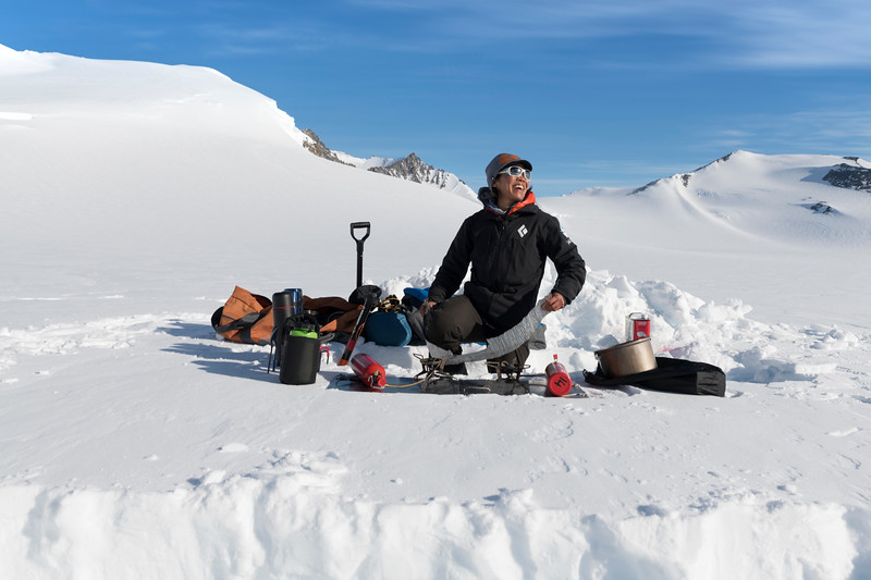 Climb Antarctica Women -1-11-18100093.jpg
