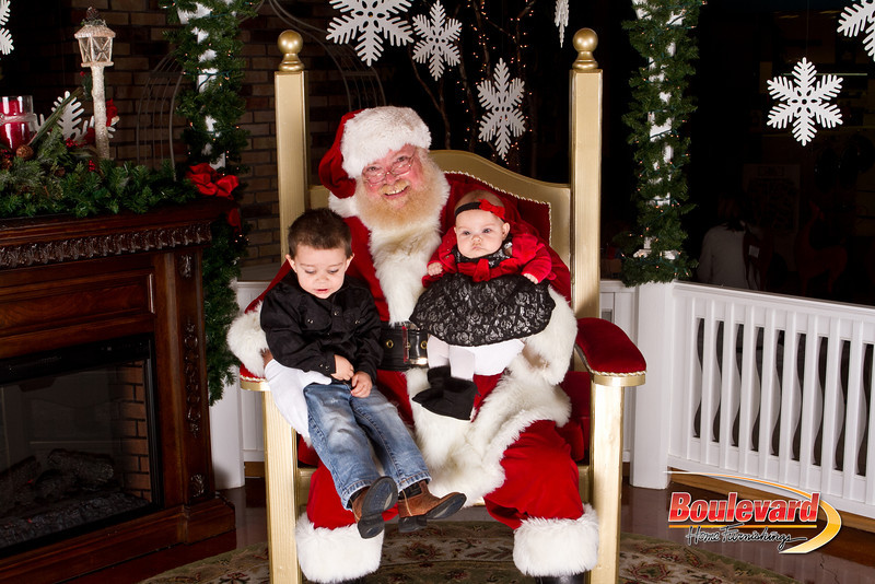 Santa Dec 15-166.jpg