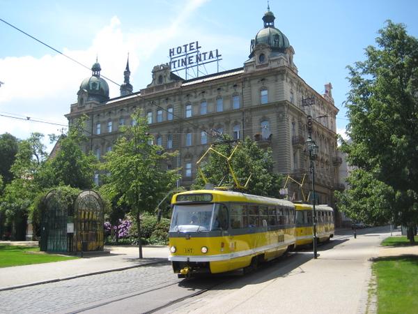hotel_tram.jpg