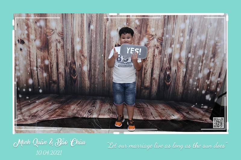 QC-wedding-instant-print-photobooth-Chup-hinh-lay-lien-in-anh-lay-ngay-Tiec-cuoi-WefieBox-Photobooth-Vietnam-cho-thue-photo-booth-086.jpg