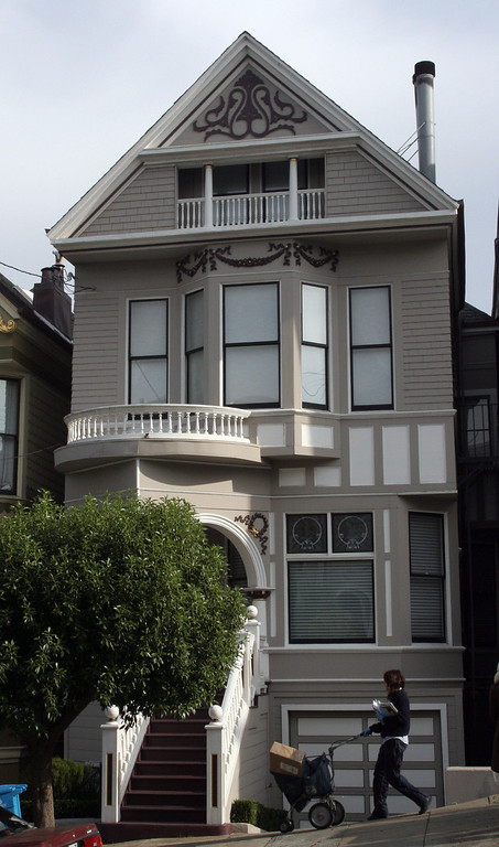 . A house, formerly owned by the late US rock legend Janis Joplin, is pictured 23 December 2007 in San Francisco. (GABRIEL BOUYS/AFP/Getty Images)
