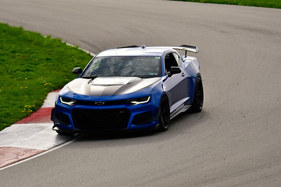 2019 TNiA Pitt Race April Blue Comaro Blk hood