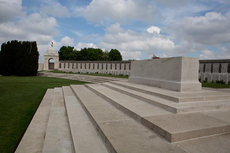Ypres Tyne Cot Cemetery (27 of 123).jpg
