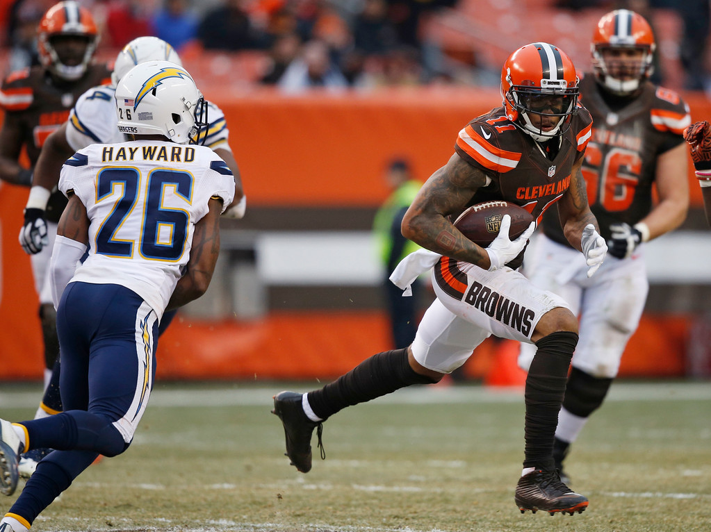 . Cleveland Browns wide receiver Terrelle Pryor (11) runs the ball in the second half of an NFL football game against the San Diego Chargers, Saturday, Dec. 24, 2016, in Cleveland. (AP Photo/Ron Schwane)