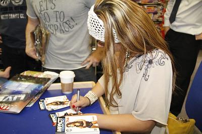 Mickie Signing