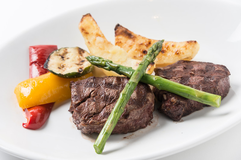 Filet Mignon with Lemon Potatoes and Grilled Asparagus.jpg