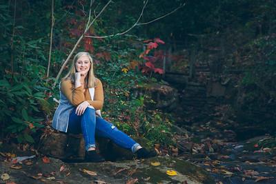 Allison S- Sr Portraits