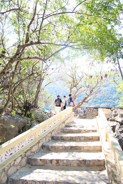 2018_Cruise_Haiti_Walking.JPG