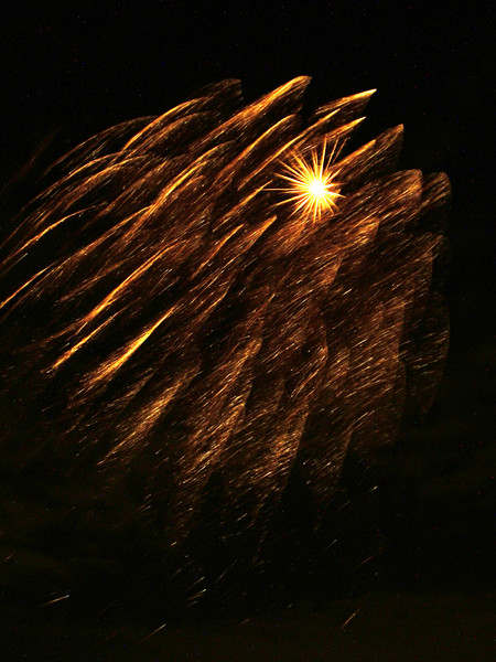2005_1028tootingfireworks011_edited-2.JPG