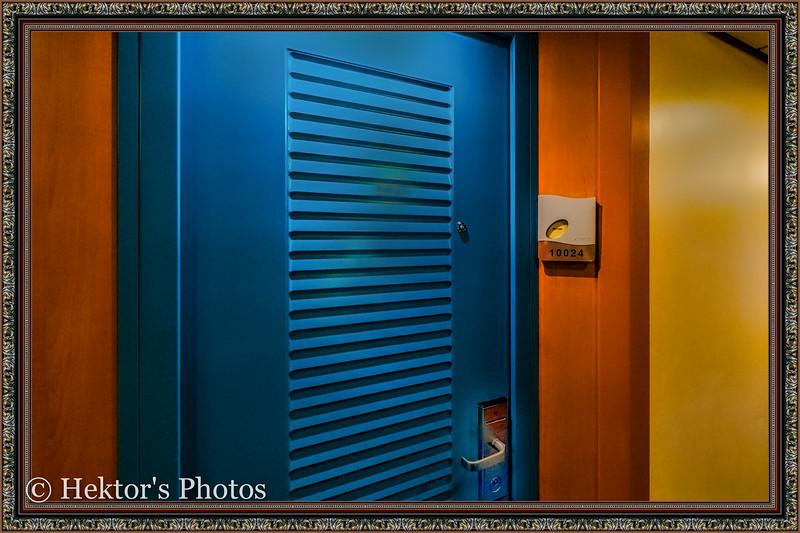 Stateroom 10024-2.jpg