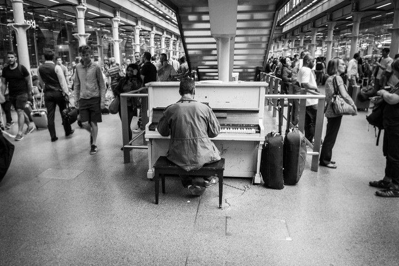 Piano Player in St Pancras Station - Central London