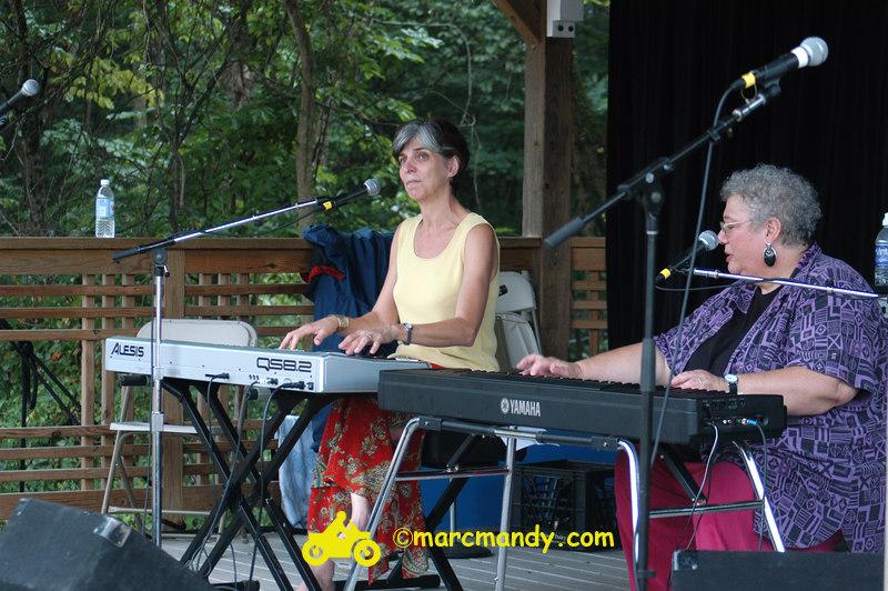Phila Folk Fest- Sat 8-27 072 Tickle the Ivories Wkshp.JPG