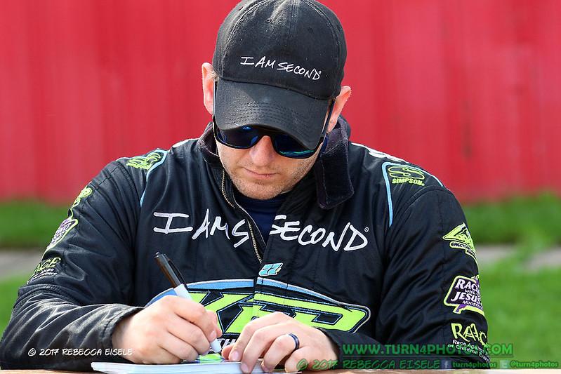 autograph session 20.jpg