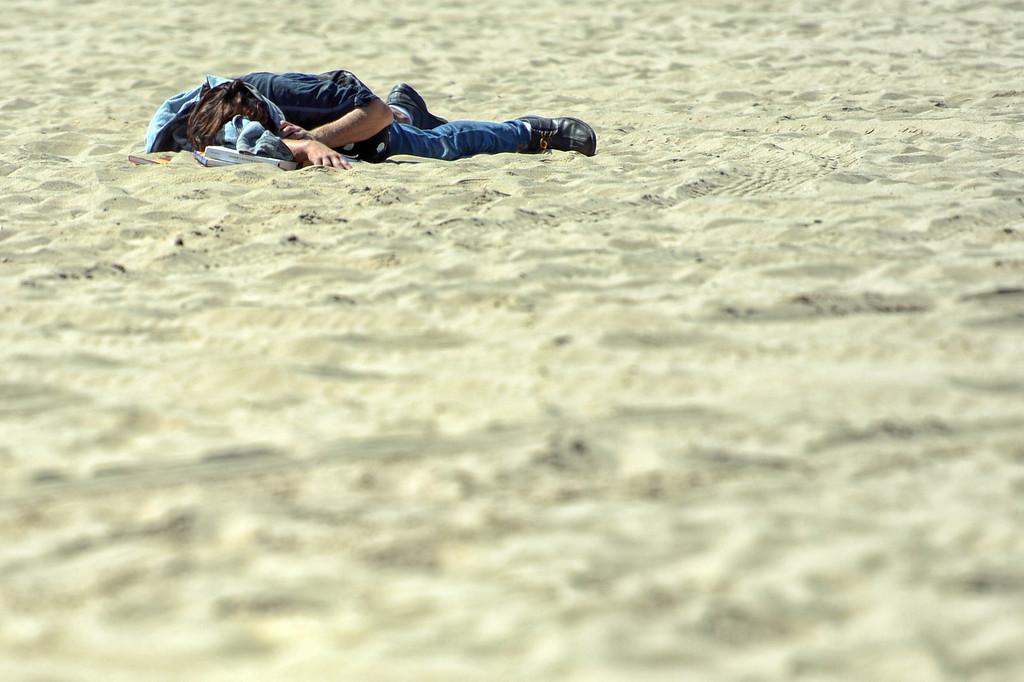 . People enjoy mild temperatures at the Santa Monica Boardwalk in Santa Monica Thursday, September 5, 2013. (Photo by Hans Gutknecht/Los Angeles Daily News)