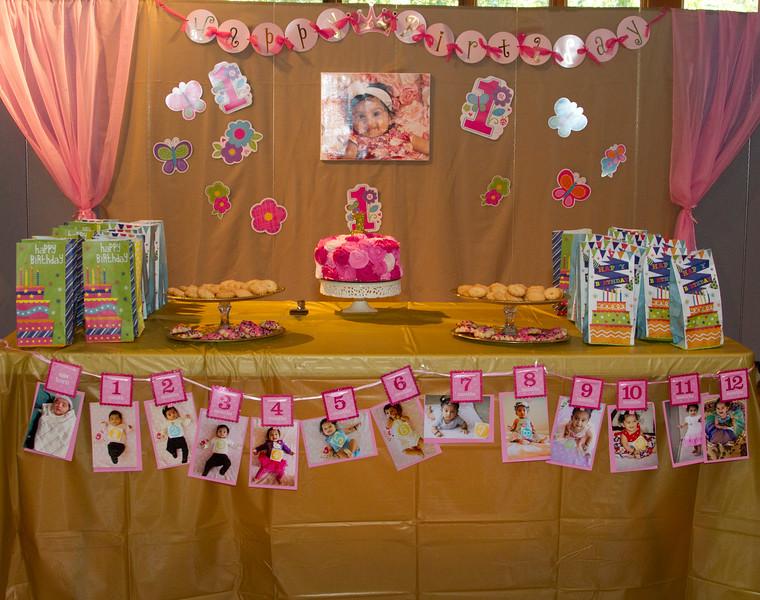 Annika 1st Birthday 030.JPG